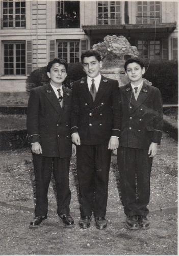 Denis Donikian, Edmond Aslanian, Daniel Tchoboyan, tous camarades viennois.