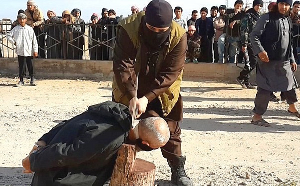 Daesh Executed a Syrian Civilian accused of Sorcery