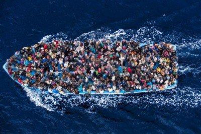 refugies-mer-400x266