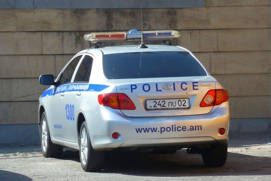 800px-Police_car_in_Yerevan,_Armenia